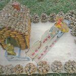 Сказочный домик из желудей, шишек и картона своими руками