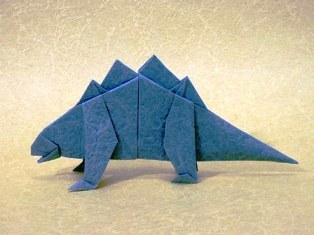 Делаем фигурку стегозавра