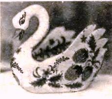 ваза из пластелина в виде лебедя
