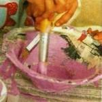 Наносим основную краску на блюдо